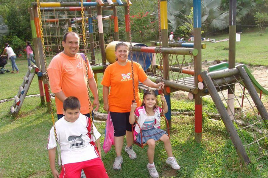 Parque Infantil -- -